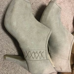 Madden Girl Shoes - NWOT Madden Girl booties size 10